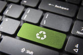 Recycle keyboard key, environmental background — Stock Photo