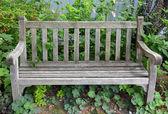 风化张木凳上 — 图库照片