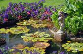 Lente tuin vijver — Stockfoto