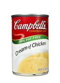 Cream of chicken soup — Stock Photo