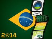 Tira de película con la bandera de brasil — Vector de stock