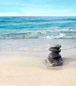 在海滩上的石头 — 图库照片