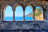 Arch spans of the church of St. Peter in Porto Venere — Stock Photo