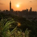 Sunset cityscape in Taipei — Stock Photo