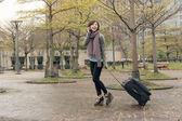 Travel woman at street — Stock Photo