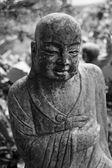 Bodhisattva ksitigarbha statue ruine — Photo