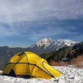 在雪上的帐篷 — 图库照片