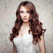Portrait of beautiful sensual woman with elegant hairstyle. Wedd — Stock Photo