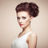 Portrait of beautiful sensual woman with elegant hairstyle.  Per — Stock Photo