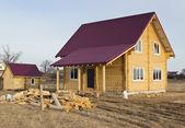 Een klein houten huis — Zdjęcie stockowe
