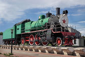 Pomnik rosyjskich lokomotywa, zbudowanym w 1949 roku — Zdjęcie stockowe