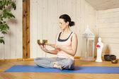 Mujer yoga — Foto de Stock