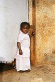 Bonito, mas triste menina africana — Fotografia Stock