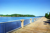 Boardwalk along the Saguenay river — Stock Photo