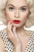Portrait of beautiful young sexy woman with vintage make-up and hairstyle. Pin-up girl — Foto Stock