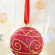 Red christmas ball - Stockfoto