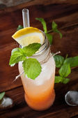 Fresh grapefruit cocktail — Stockfoto
