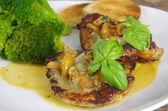 Grilled steak  chanterelle souce — Stock Photo