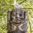Seagull on Inuit Statue in Seattle Park — Stock Photo