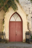 Red Door in Old Lutheran Church — Stock Photo