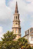 Horloge le vieux clocher église de plâtre — Photo