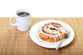 Iced Cinnamon Roll with Coffee — Stock Photo