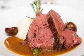 Rare Prime Rib with Mushroom Gravy — Stock Photo