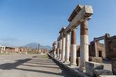 Kolommen door pompeii weg — Stockfoto