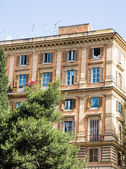 Colorful Old Apartment Building in Rome — Foto de Stock