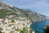 Amalfi Homes Over Blue Waters — Stock Photo