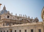 Statues of Popes over Saint Peters — Stock Photo