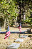 American Flags in Old Graveyard — Foto Stock