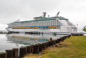 Luxury Cruise Ship at Portland Port — Stock Photo