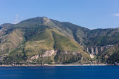 Green Hills and Bridge on Coast of Sicily — Stock Photo