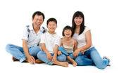Feliz familia asiática Fullbody — Foto de Stock