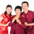 Asian Chinese family greeting — Stock Photo
