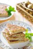 Stuffed Arabic bread Mutabbaq — Stock Photo