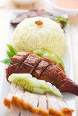 Roasted duck and roasted pork crispy siu yuk rice — Stock Photo