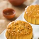 Mooncakes with teaset — Stock Photo