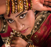 Beautiful young Indian woman — Stock Photo