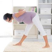 Pregnant yoga. — Stock Photo