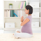 Relax pregnant woman meditating at home — Stock Photo