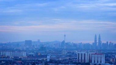 Timelapse город куала-лумпур, малайзия, от дня до заката в ночь. — Стоковое видео