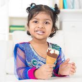Eating ice cream. — Stock Photo