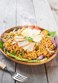 Spicy dried curry instant noodles — Stock Photo