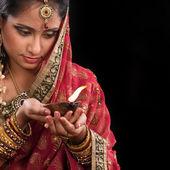 Celebrar o diwali festivo das luzes — Fotografia Stock