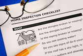 Real estate home inspection checklist and condition report — Stock Photo