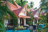 Piscina resort tropical hotel. — Fotografia Stock