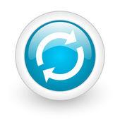 Recargar icono web brillante círculo azul sobre fondo blanco — Foto de Stock