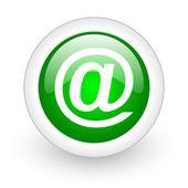 在白色背景上的绿色圆圈光泽 web 图标 — 图库照片